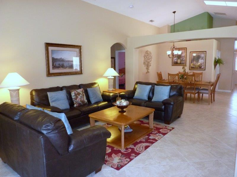 1316 Solana Circle - Great room
