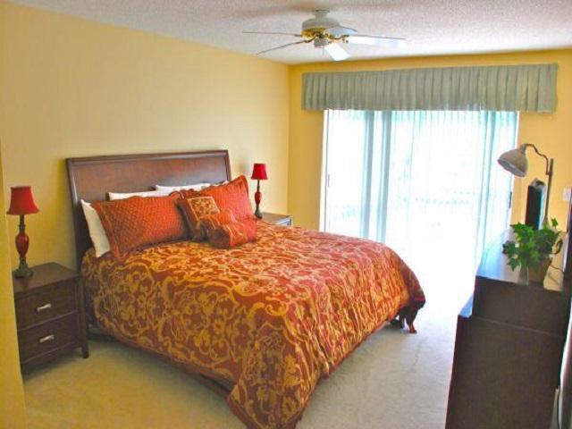 213 Lake Davenport Drive master bed