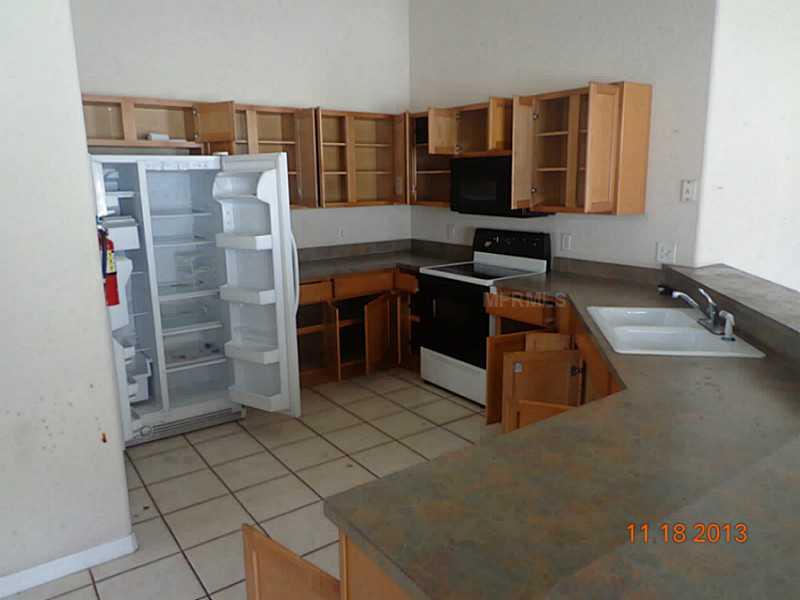 219 Corvina Drive - Kitchen