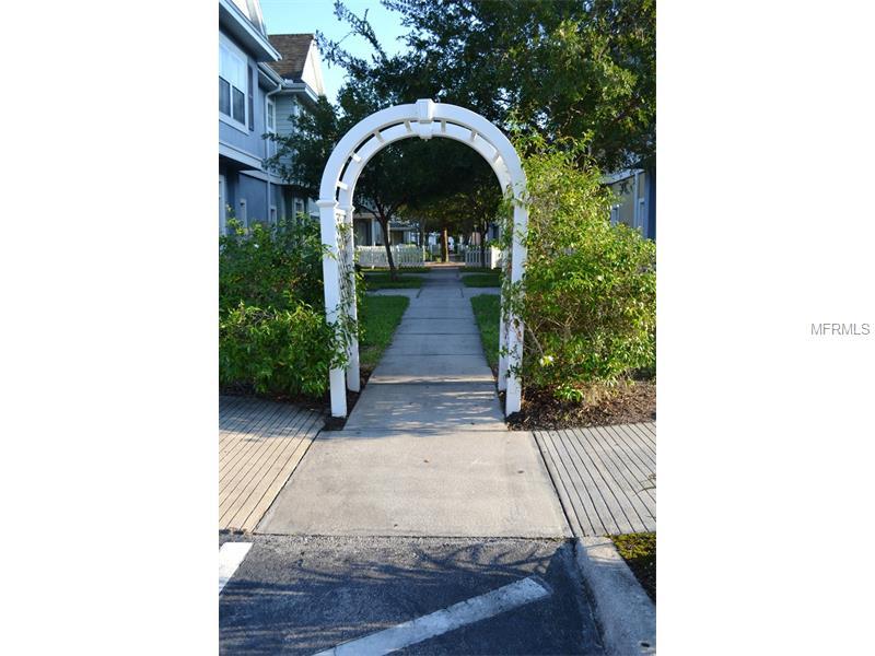 2206 San Vittorino, Kissimmee -Walkway