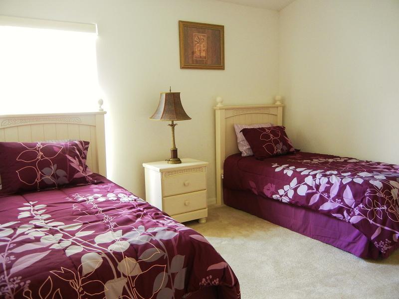 2573 Oneida Loop - Bedroom 3