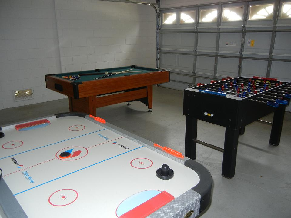2573 Oneida Loop - Gamesroom