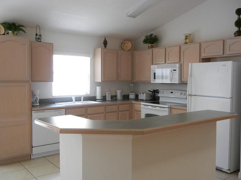 2573 Oneida Loop - Kitchen