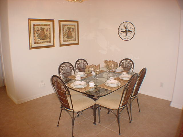 2602 Oneida Loop - Dining Room