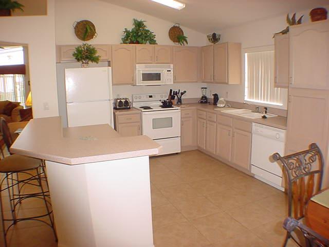 2602 Oneida Loop - Kitchen