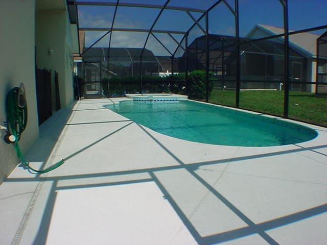 2602 Oneida Loop - Pool