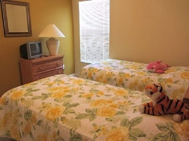 3201 Ibis Hill Street - Twin Bedroom 2 - Pilgrim Homes Florida