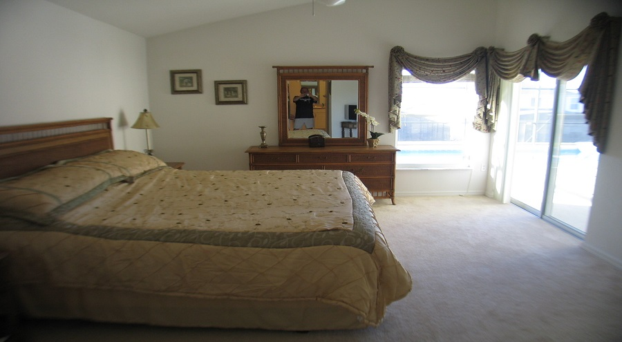 321 Bridgewater Drive - Master Bedroom Suite