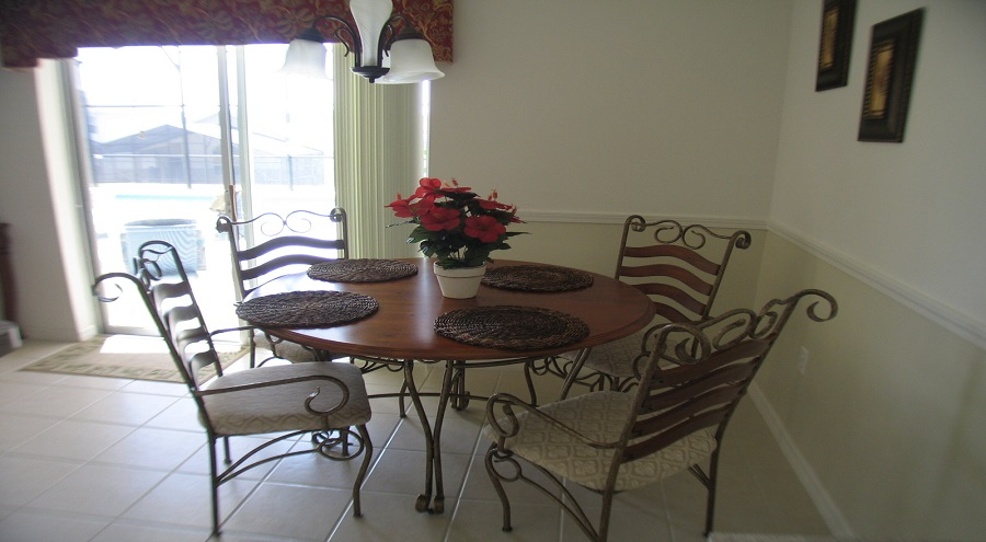321 Bridgewater Drive - Breakfast Nook