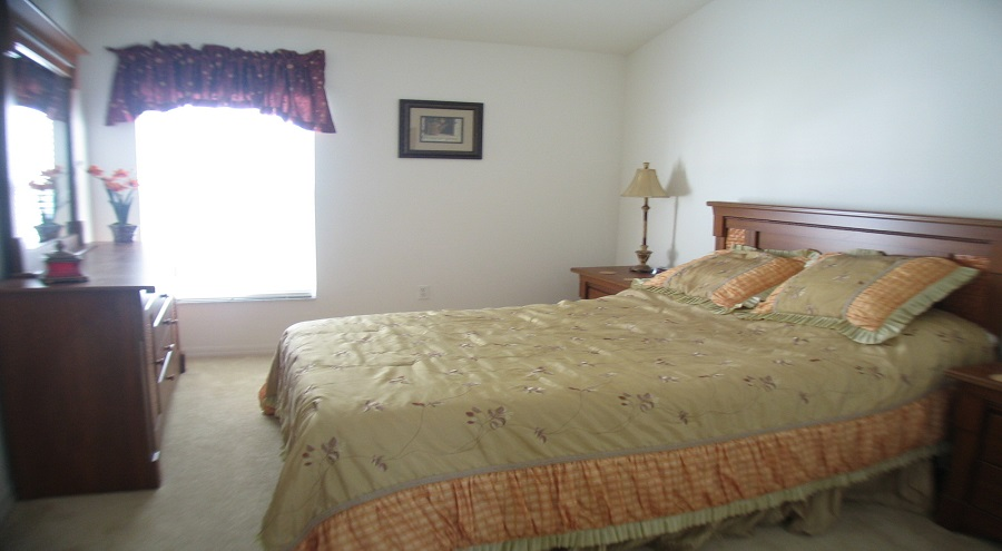 321 Bridgewater Drive - Queen Bedroom