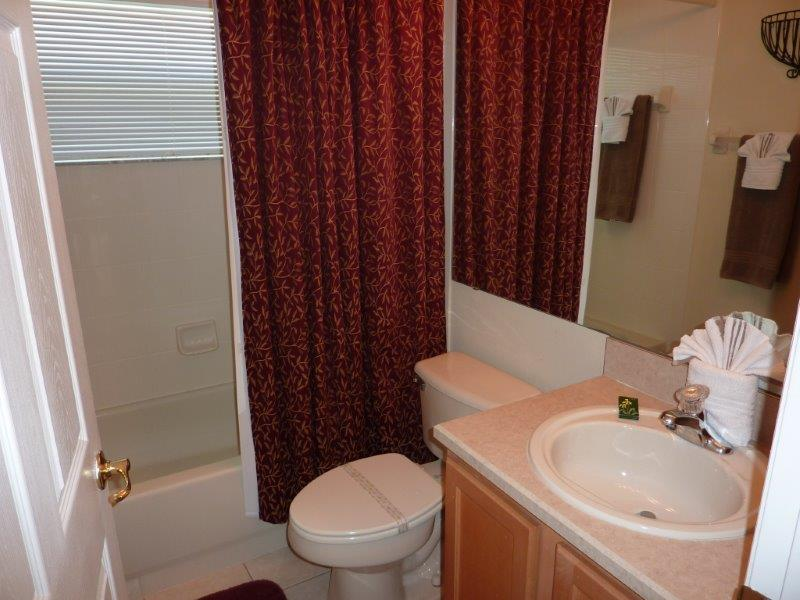 3232 Holly Grove - Guest Bathroom