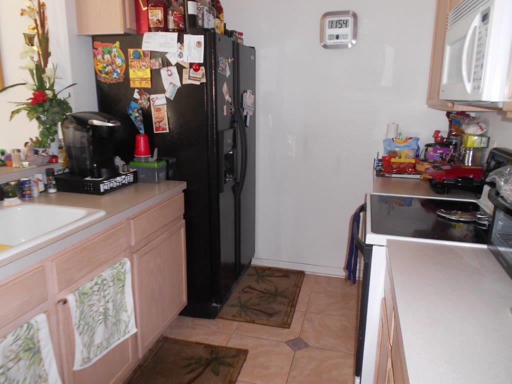 347 East Shoreline Drive - Kitchen