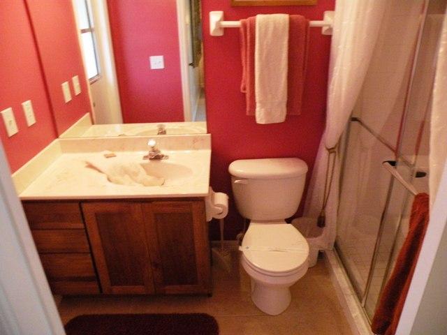 403 Gray Stones Blvd - Master en-suite - Pilgrim Homes Florida
