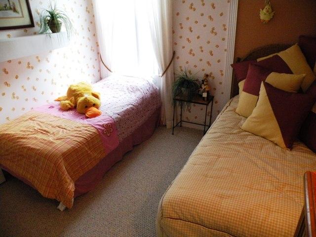 403 Gray Stones Blvd - Twin Room 1 - Pilgrim Homes Florida