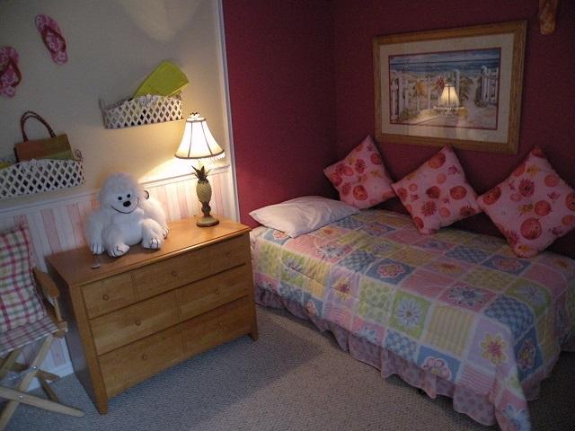 403 Gray Stones Blvd - Twin Room 2 - Pilgrim Homes Florida