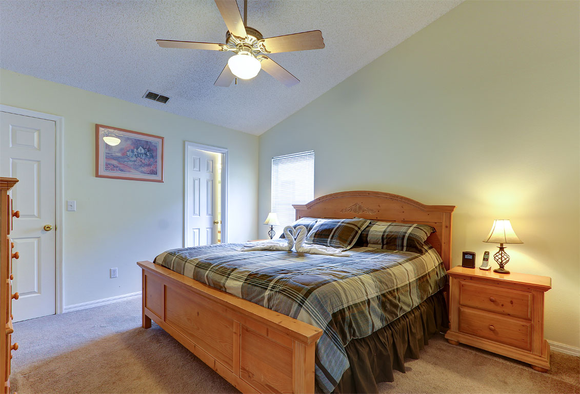 428 Pinewood Drive - Master Bedroom