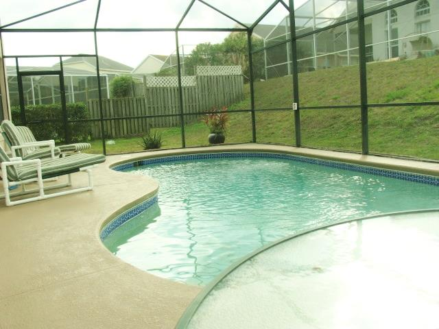 560 Riggs pool