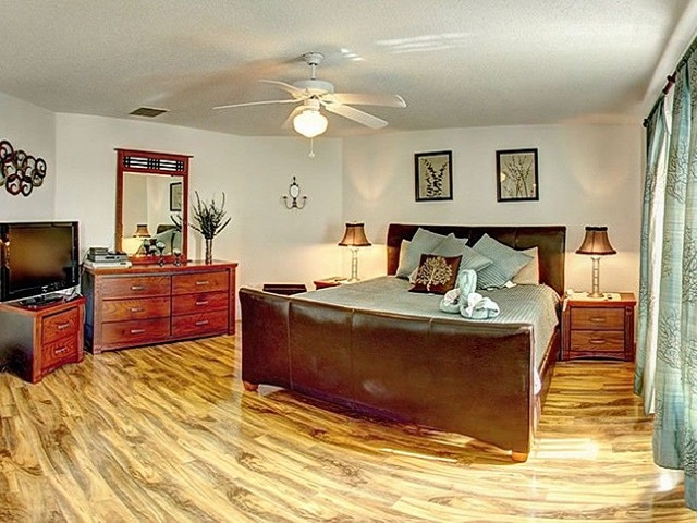 7958 Golden Pond - Master Bedroom - Pilgrim Homes Florida