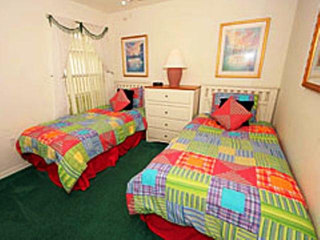 7965 Magnolia Bend - Twin Bed 1 - Pilgrim Homes Florida