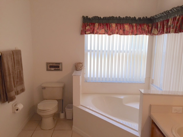 8111 Yellow Crane Drive - Master Bathroom - view 2 - Pilgrim Homes Florida