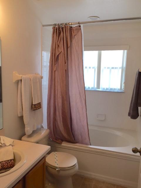 8111 Yellow Crane Drive - Queen Bedroom en-suite - Pilgrim Homes Florida